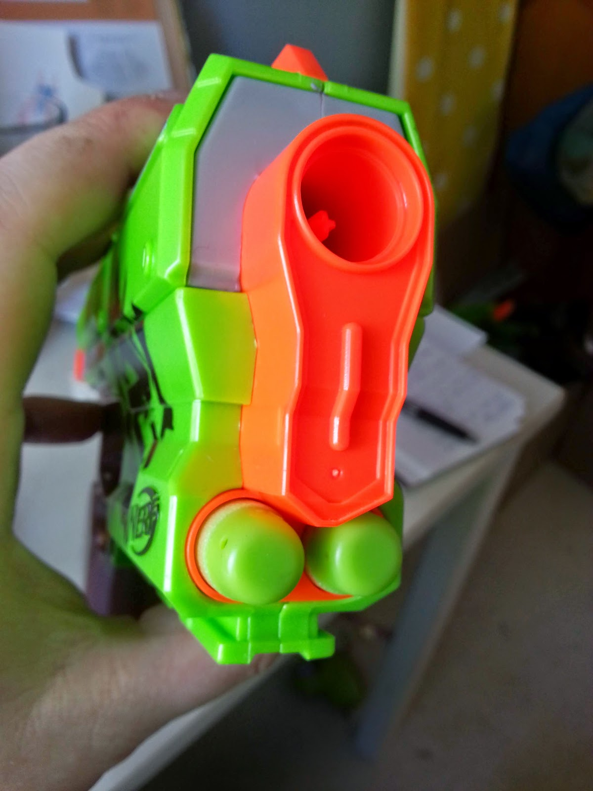 So it really is top marks all round for the Nerf Zombie Strike Sidestrike and we would go so far as to say that this plucky little blaster is one of our