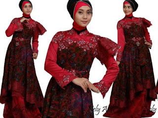Model Baju Batik Kombinasi Brokat wanita berhijab