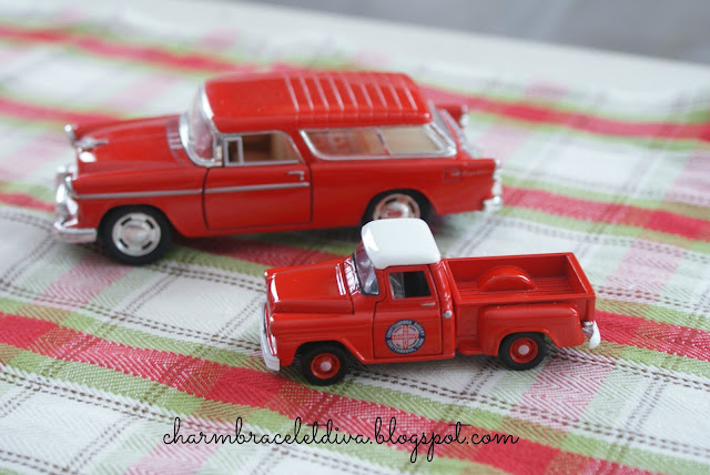 Vintage-inspired toy cars and pick-up trucks are perfect for Christmas snow globes