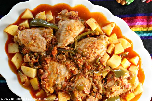 Cómo preparar Pollo a la Mexicana, un platillo lleno de sabor. by www.unamexicanaenusa.com