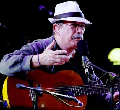 Foto de Silvio Rodríguez con sombrero