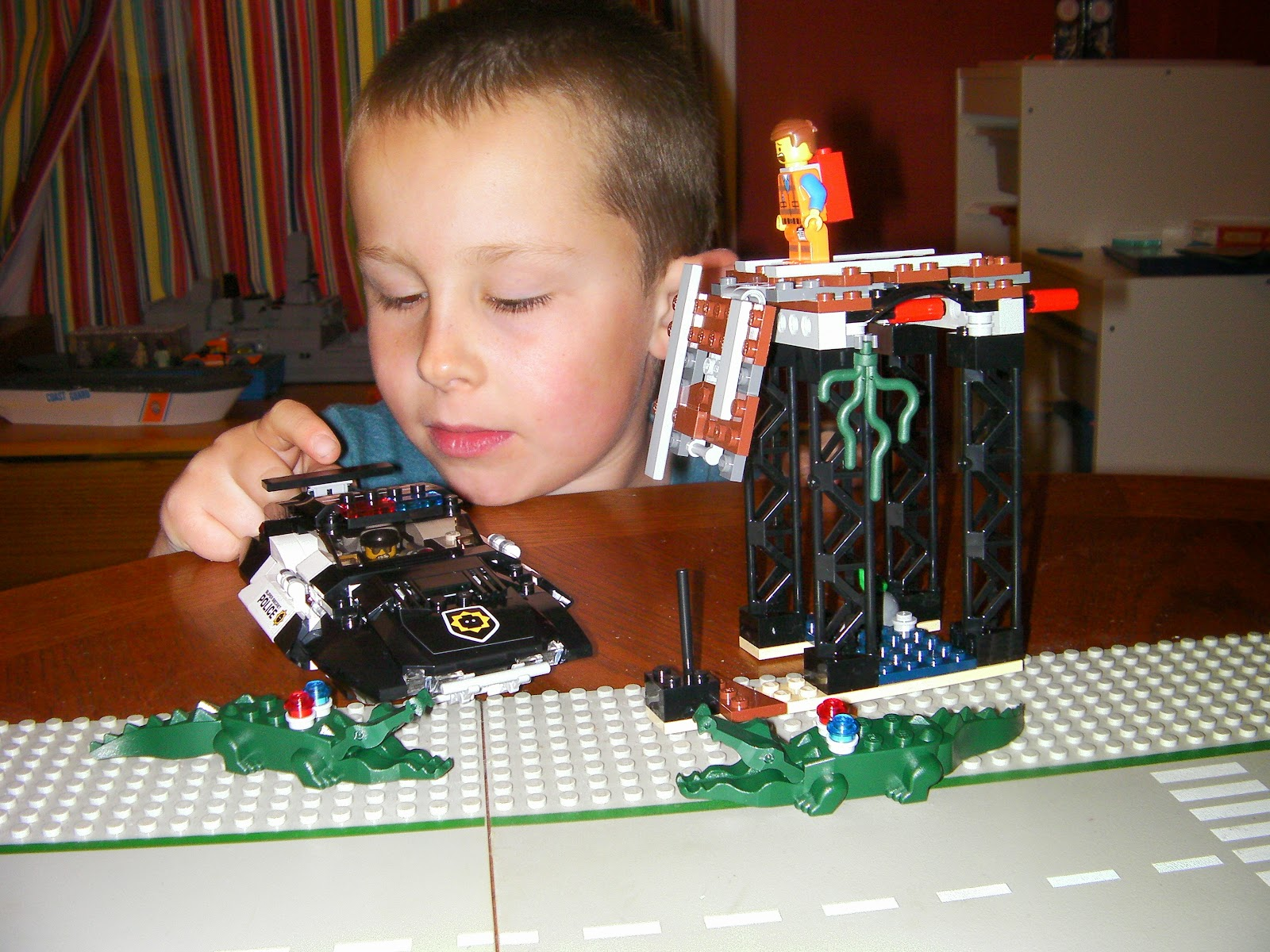 lego alligators emmett badcop chase