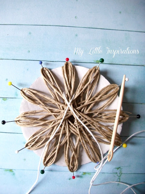 DIY Twine and raffia flowers with recycled paper leaves - Fiori di spago e rafia con foglie carta riciclata 8 - My Little Inspirations