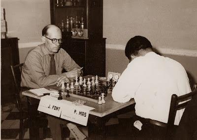 Partida J. Font - P. Mas del I Torneo Nacional de Ajedrez de Granollers 1964 (3)