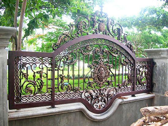 contoh desain pagar klasik