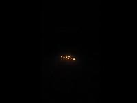 UFO Muncul Di Dekat Pesawat Yang Sedang Terbang