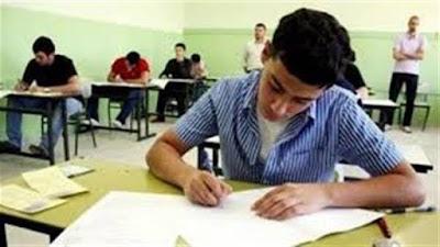رئيس لجنة ثانوية بأسيوط يعتذر عن اعمال الامتحانات بسبب حالات الغش الجماعى و تسريب الامتحانات