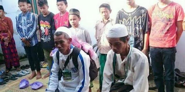Kisah Haru 2 Pria Kebumen yang Batal Haji dengan Menggunakan Sepeda Ontel