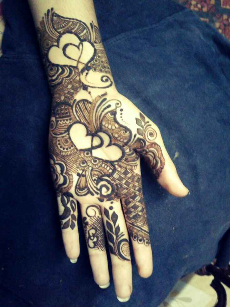 15 Pretty Heart Mehndi Designs For Hands To Try This Year Bling