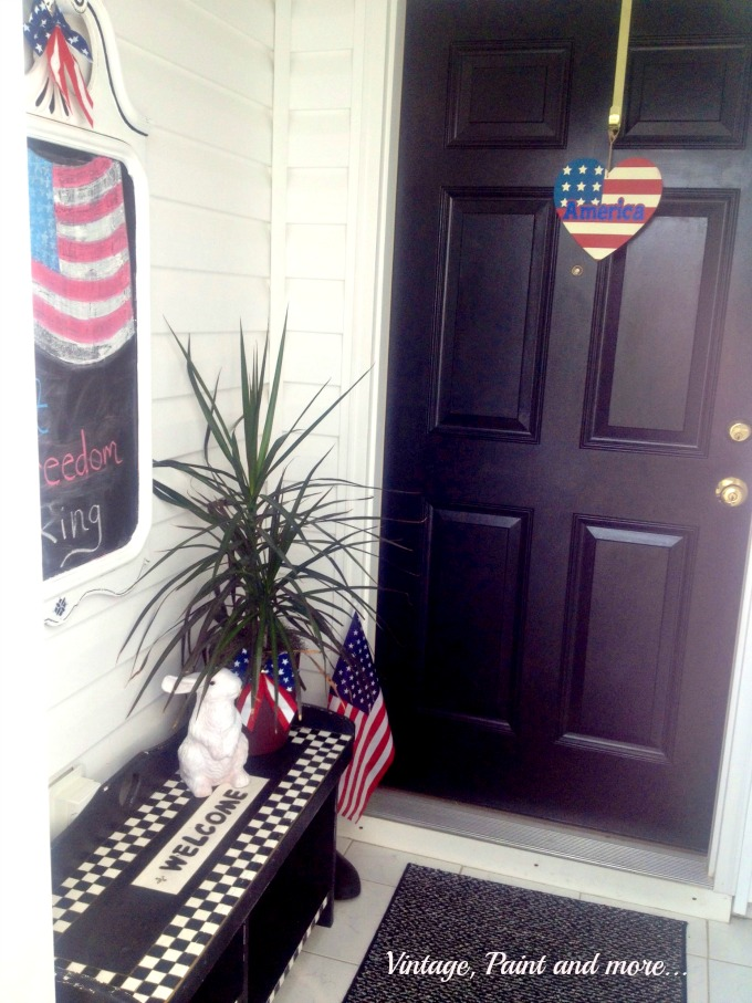 Vintage, Paint and more... americana decor, patriotic decor, diy chalkpainted mirror