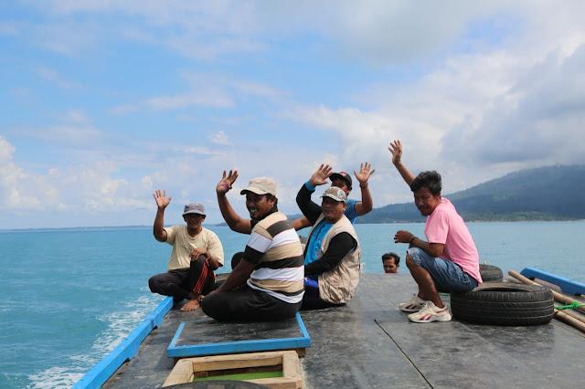Potret Senyum Pengungsi Pulau Sebesi dan Sebuku Saat Pulang Kampung