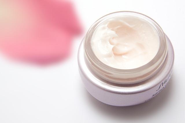 4 Produk Cream Malam Wardah untuk Kulit Berjerawat dan ...