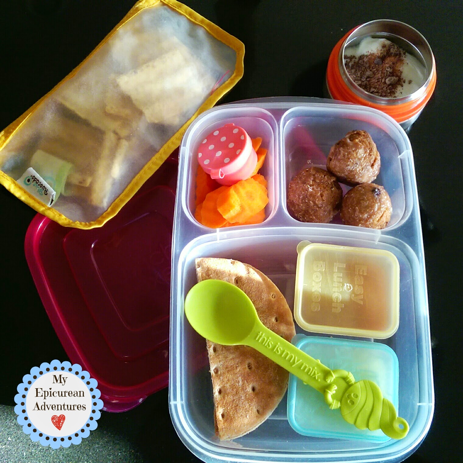 Pizza Lunchables - So easy and kids love 'em! in @Easylunchboxes