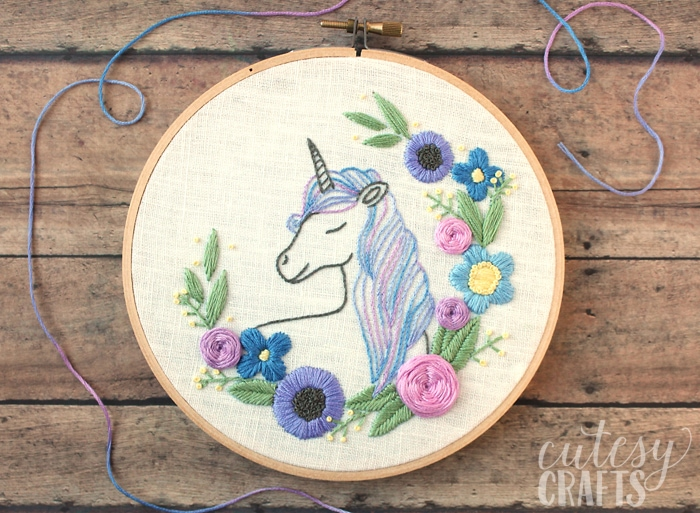 Free Unicorn Embroidery pattern by Cutesy Crafts as featured on Feeling Stitchy by floresita