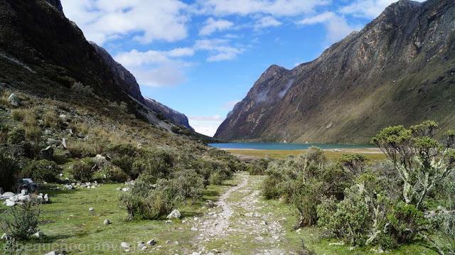 Laguna Jatuncocha, dia 2, trekking, santa cruz,detalles, descripcion