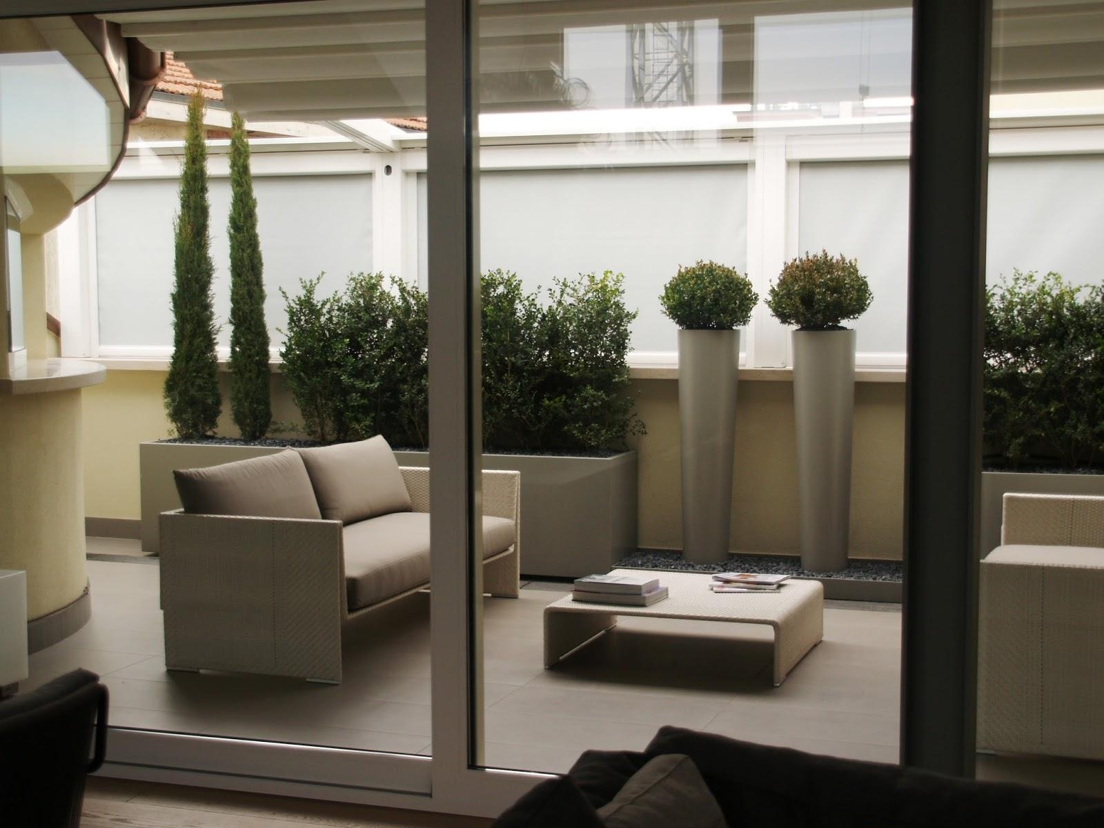 Martin Design ITA: Arredo per terrazzi con fioriere su misura