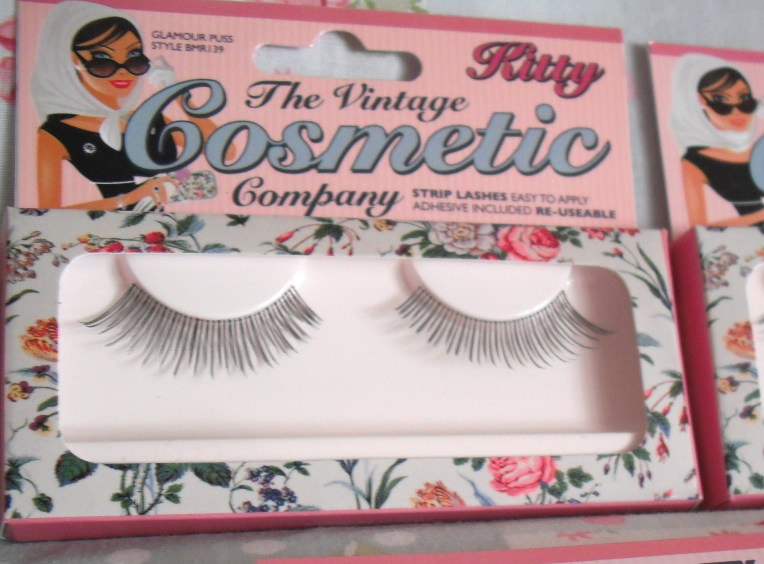 be3c83a4667 ... in the UK selling a range of glamorous eyelashes. There are 5 different  styles to choose from, and I received two pairs to try out, Kitty and  Gracie.