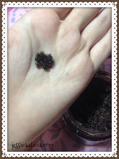 Review : Skin Club Vanilla Latte Body Scrub by Jessica Alicia