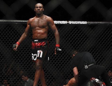 Jon Jones retorna ao UFC no último evento do ano