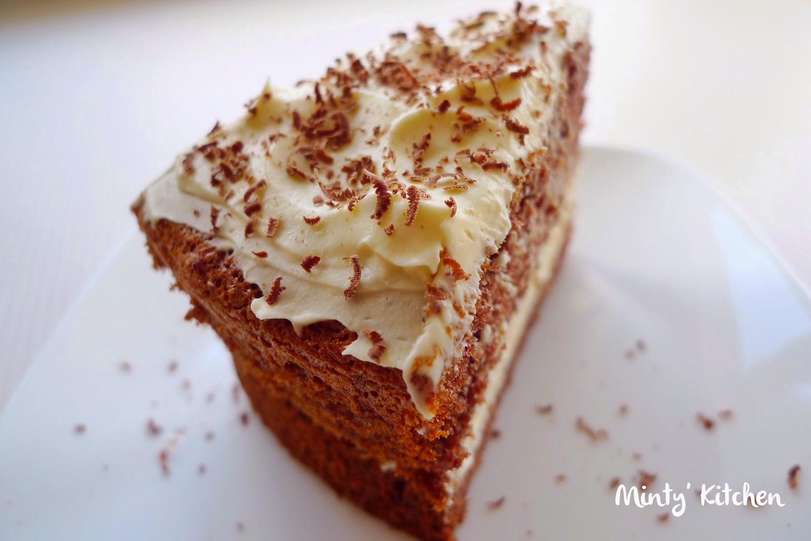Minty's Kitchen: Chocolate Sponge Cake With Cream Cheese
