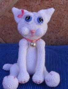 http://ainoslabores.blogspot.de/2013/12/gato-de-ojos-mimosos.html