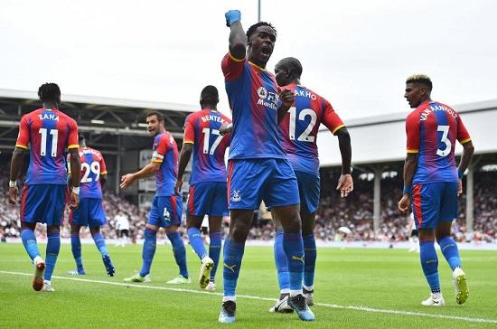 Crystal Palace sở hữu hàng phòng thủ chắc chắn.