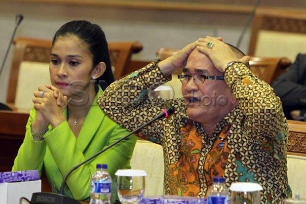 Hot News! Rapat Paripurna, Ruhut Resmi Dicopot dari Anggota DPR