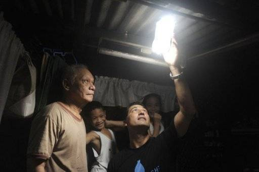 Solar Bottle Light Atau Botol Cahaya Matahari