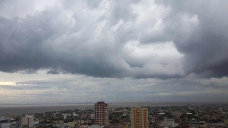 Se esperan lluvias por la mañana en zona sur, luego mejora con ...