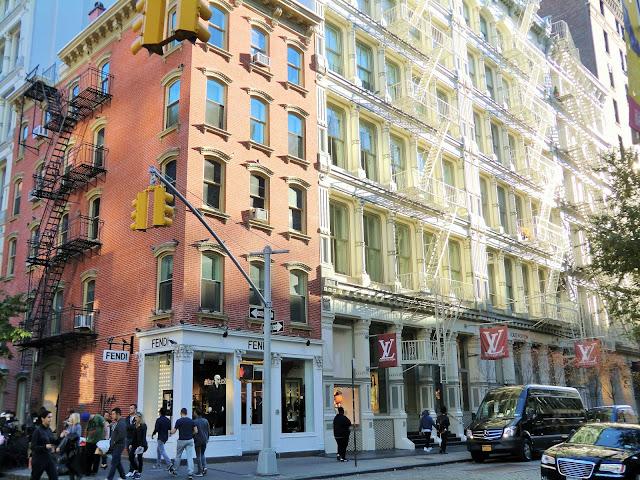 Street view of soho in manhattan - new-york  Louis Vuitton