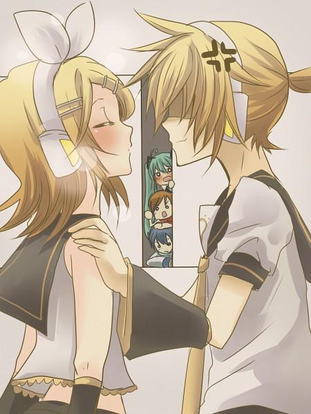 Miku-Rin-Len: Kagamine Rin & Len  Miku-Rin-Len: K...