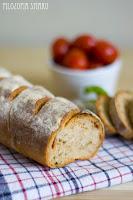 (chleb z suszonymi pomidorami