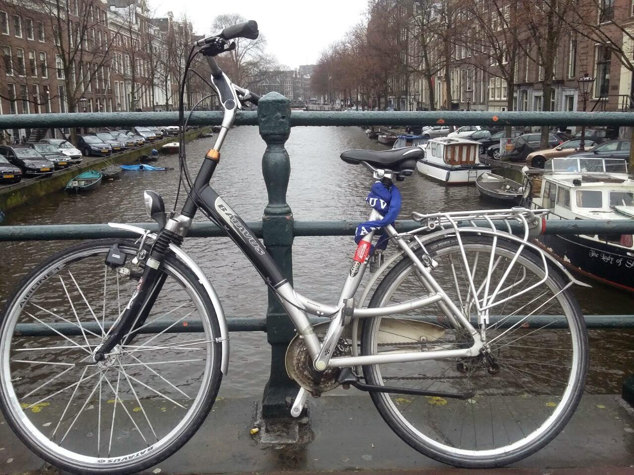 Sepeda yang terparkir