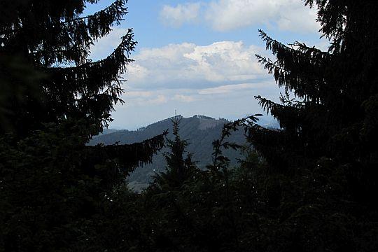 Mravečník (993 m n.p.m.) widoczny z Pupova.