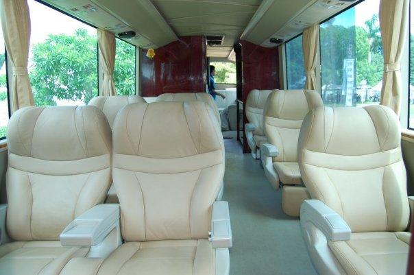 Bus Ini Juga Digunakan Untuk Mendidik Orang Yang Ingin Menjadi Sopir Praktek Mengemudi Di Jalan Adalah Bagian Penting Dari Pendidikan