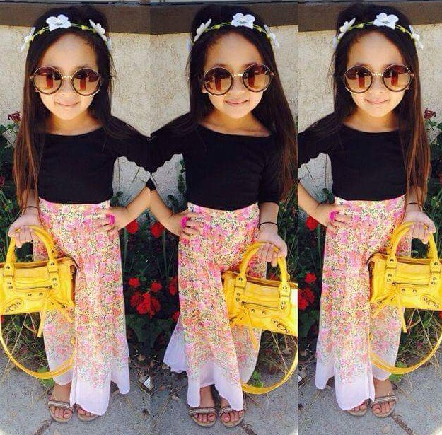 Mini fashion-bloggers redefining fashion statement. I cute little fashionable girls
