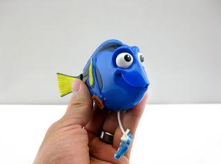finding dory swimming bath toys bandai
