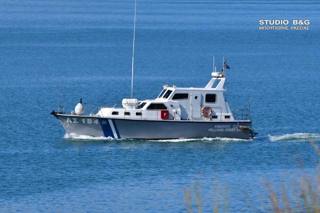 Αργολίδα: Μηχανική βλάβη σε σκάφος στην Ερμιόνη