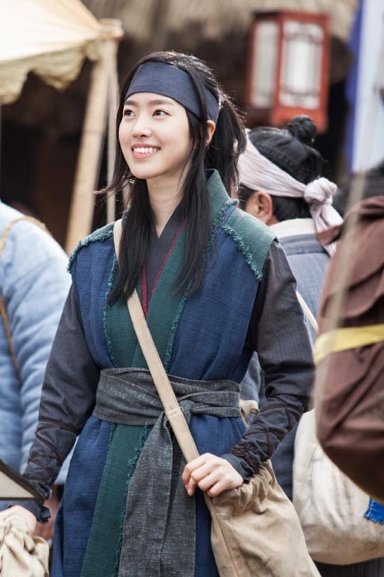 Jin Se Yeon in 2016 kdrama The Flower in Prison
