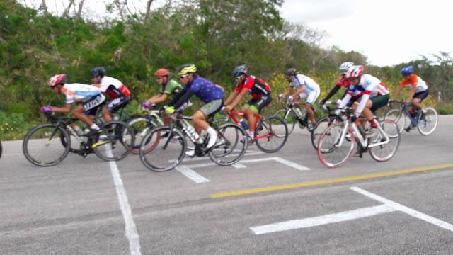 deporte y ejercicios saludables con la bicicleta