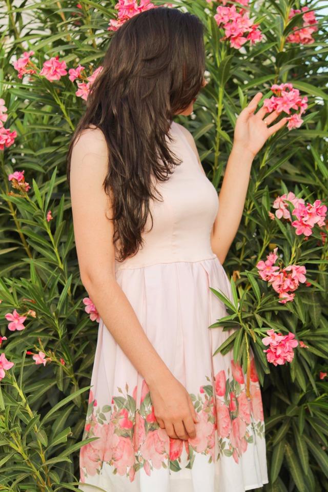 Closet Luxuoso - Vestido Delicado, Feminino e Elegante
