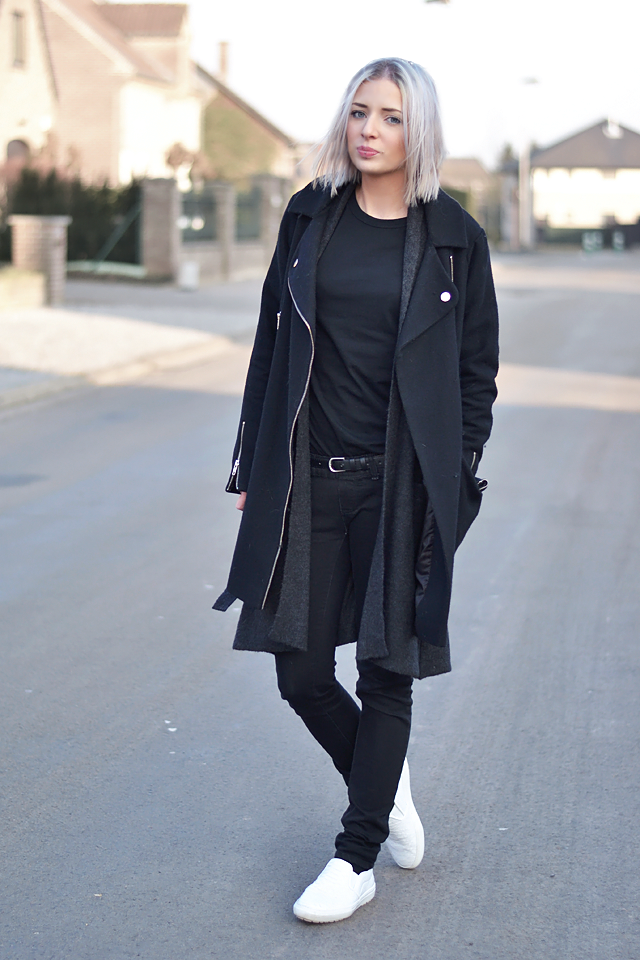 black, allover black, all black, biker coat, wool cardigan, baseball top, asos, mango, zara, white slip on, crocodile, outfit, streetstyle, how to wear