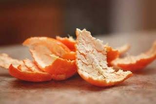 Cara menghilangkan komedo di hidung dengan kulit jeruk