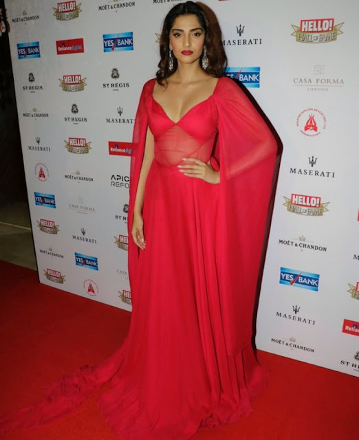 Red Hot Sonam Kapoor sashays the red carpet at the Hello Hall Of Fame Awards