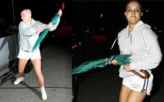 Britney ataca carro de paparazzi com guarda-chuva
