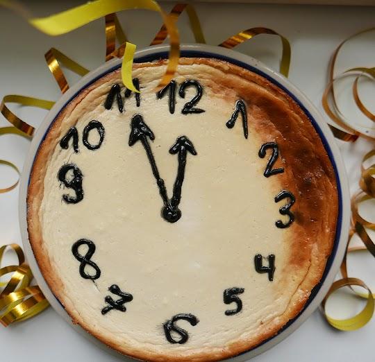 Pijany zegar czyli sylwestrowy sernik na spodzie z siemienia lnianego