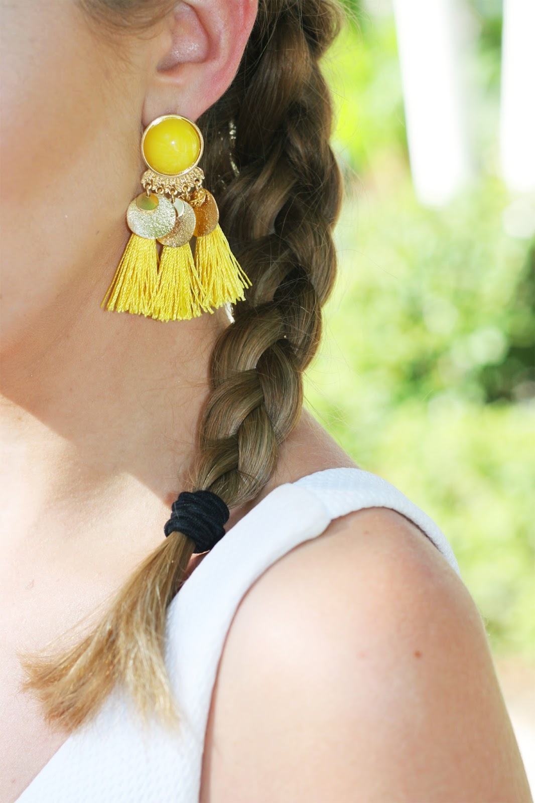 What-to-pack-for-tropical-vacation-tassel-statement-drop-earrings
