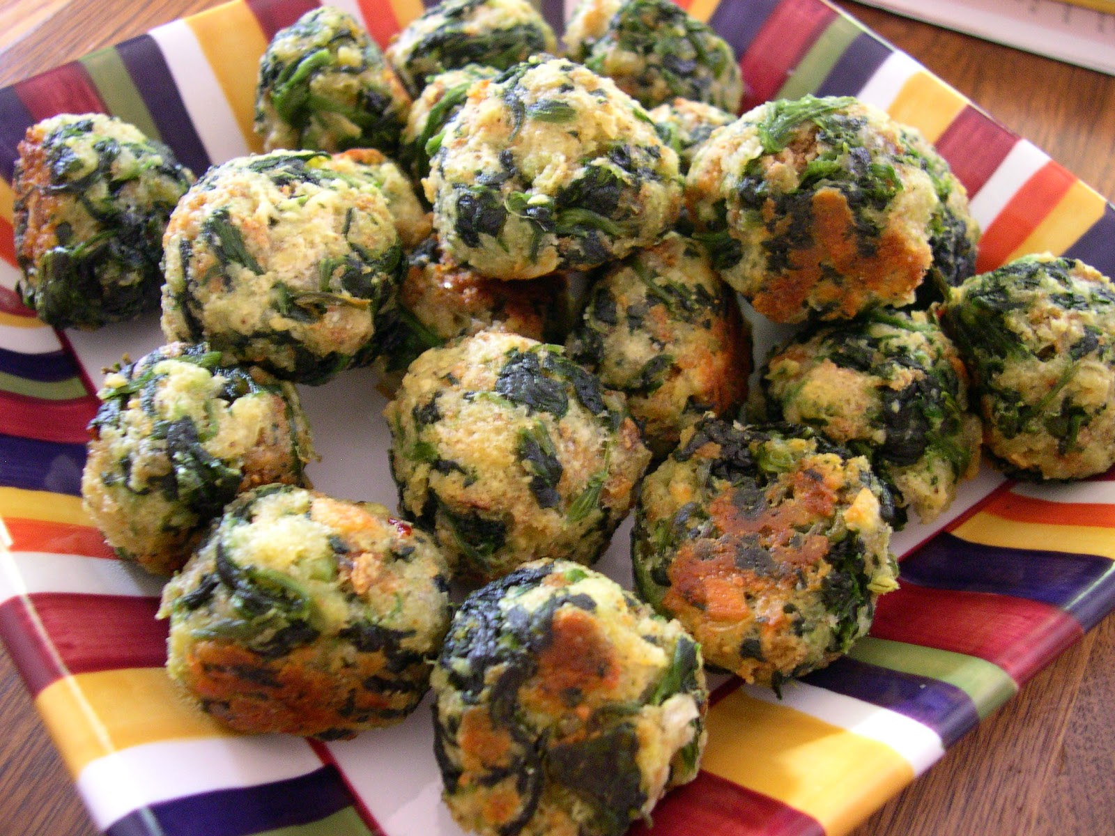 crafty 39 s cafe party food spinach balls. Black Bedroom Furniture Sets. Home Design Ideas