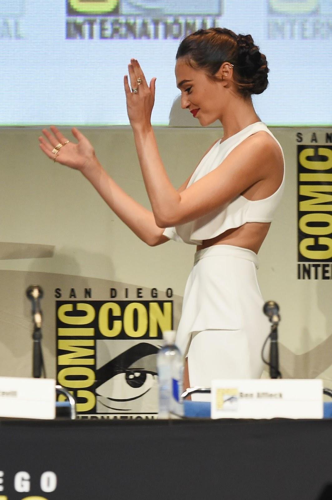 Gal Gadot At Warner Bros Panel At Comic Con In San Diego