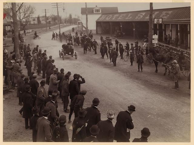 Fotografías de las primeras carreras de automóviles